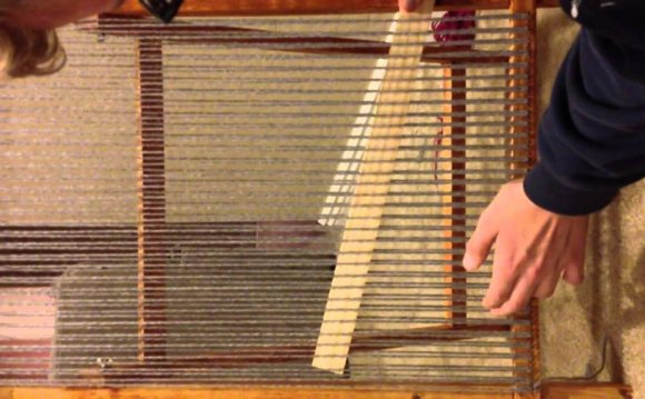 Basic weaving loom