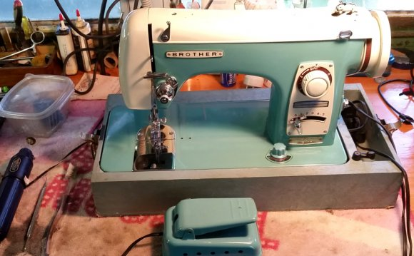 Stagecoach Road Vintage Sewing